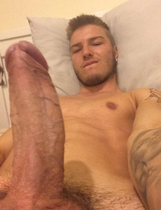 Sexy Uncut Nude Straight Man
